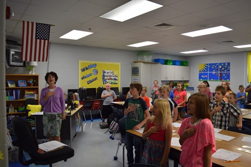 Mrs. Brown's Class doing the Pledge