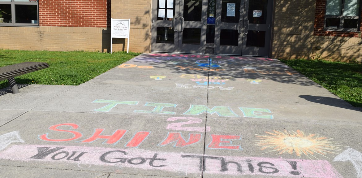 WCMS students greeted with encouraging words for K-PREP testing!