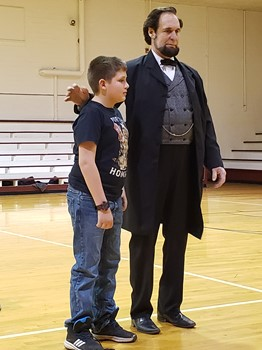 Abe Lincoln recognized a student