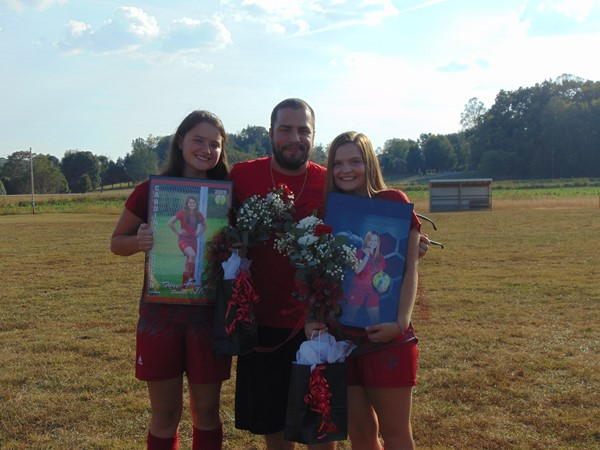 Senior Tori Vaughn and Senior Andrea Napier