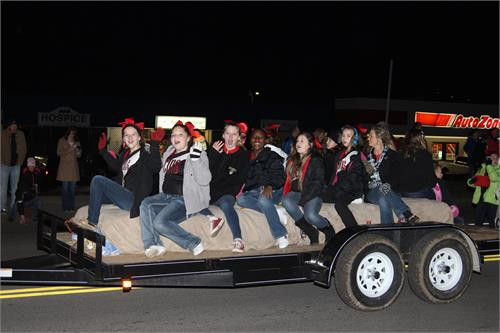 Wayne County Schools did a great job participating in the Chamber of  Commerce Christmas Parade