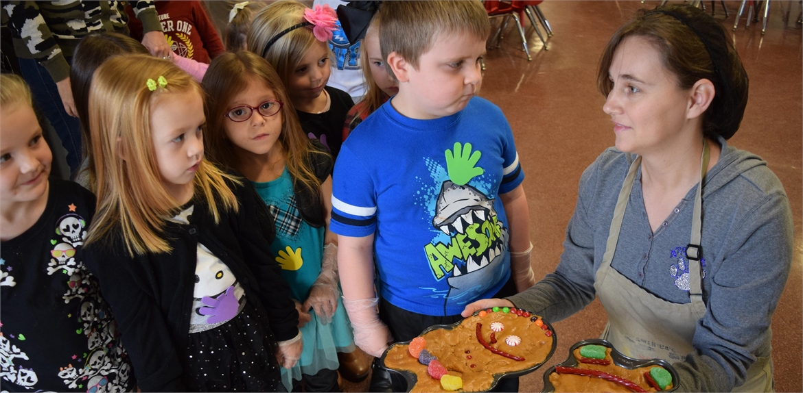 students went on a hunt for gingerbread cookies