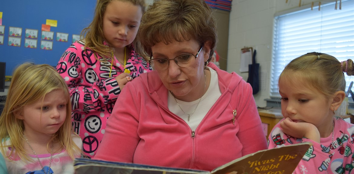 Kindergarten Teacher Becky Lewis reads