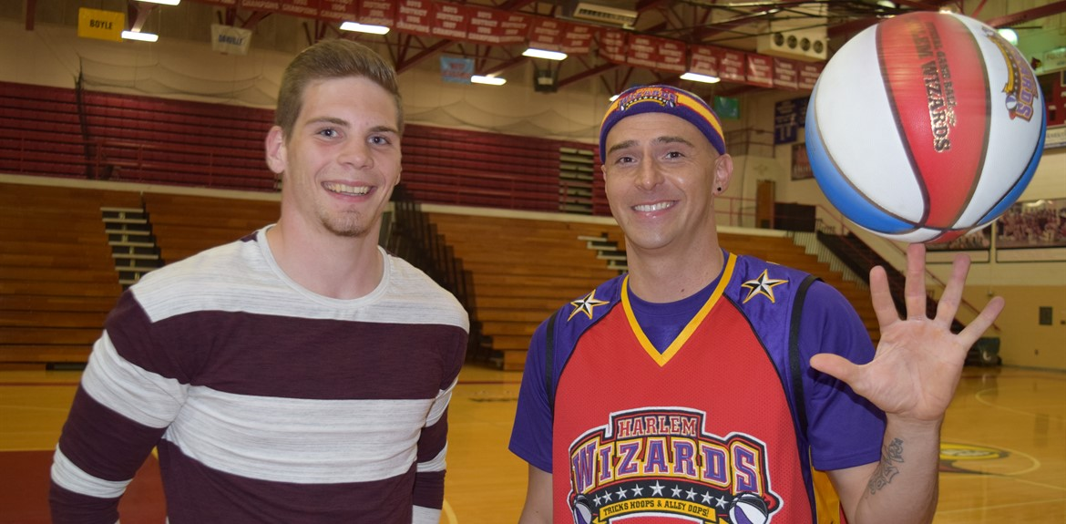 Basketball player Clay Shelton welcomes the Harlem Wizards