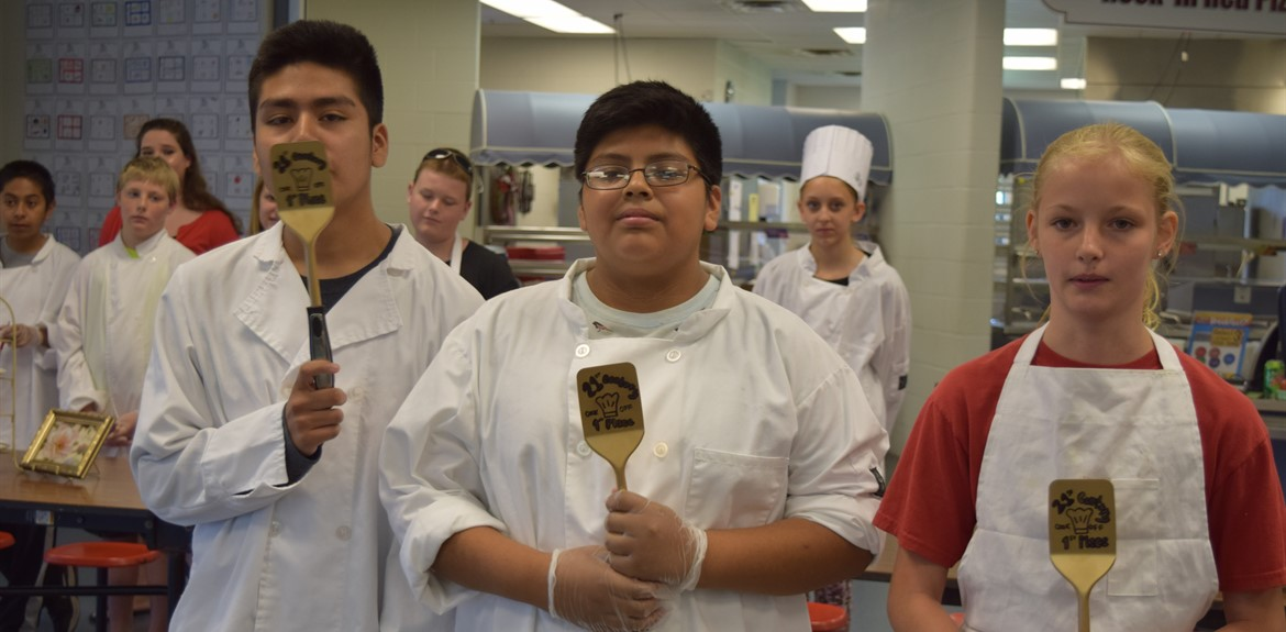 21st Century Students compete in a recipe throwdown during summer camp
