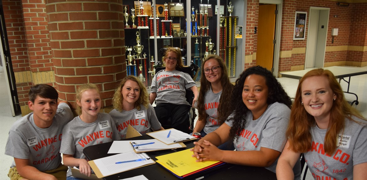 Student mentors at orientation (LR) Will Roberts, Maddy Denney, Lily Worley, Nancy Gregory, Makena Hatfield, Samantha Dixson, and Bailey Wright