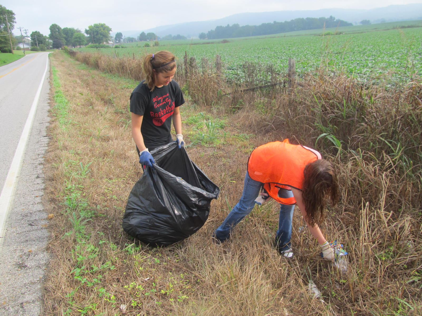 Garbage Pick Up : Jrotc cadets making a difference in our environment