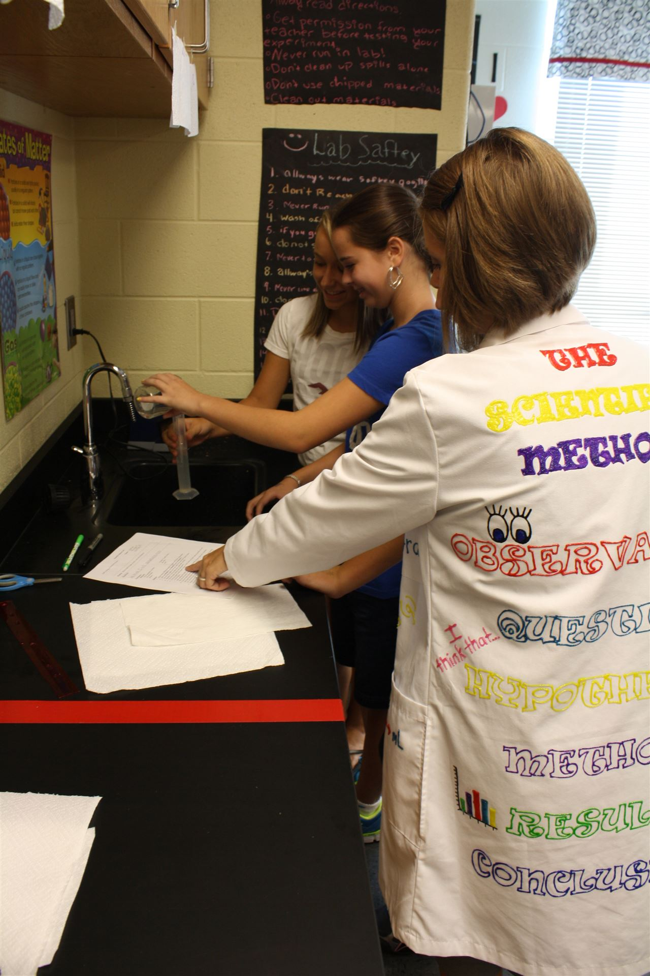 Seventh Graders Use Scientific Method Bell Elementary