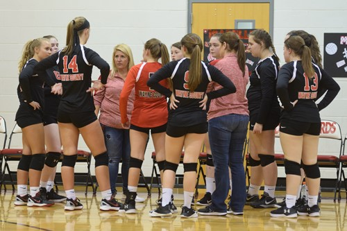 Wayne County Middle School Volleyball Recognizes 8th Grade Team